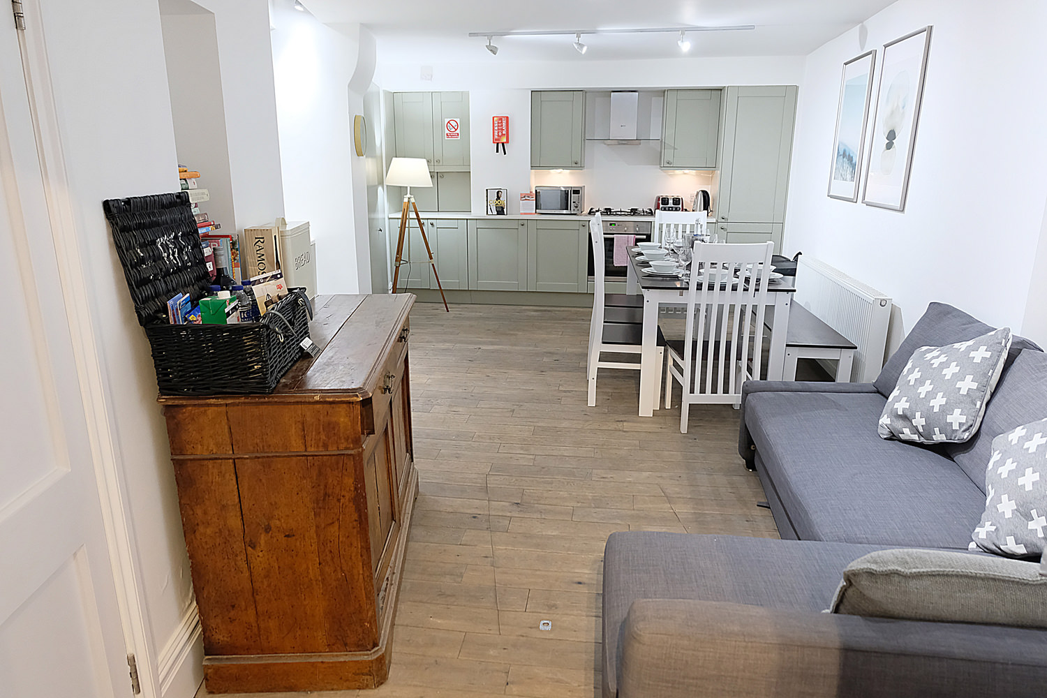 Oxford Street Townhouse | London Serviced Apartments