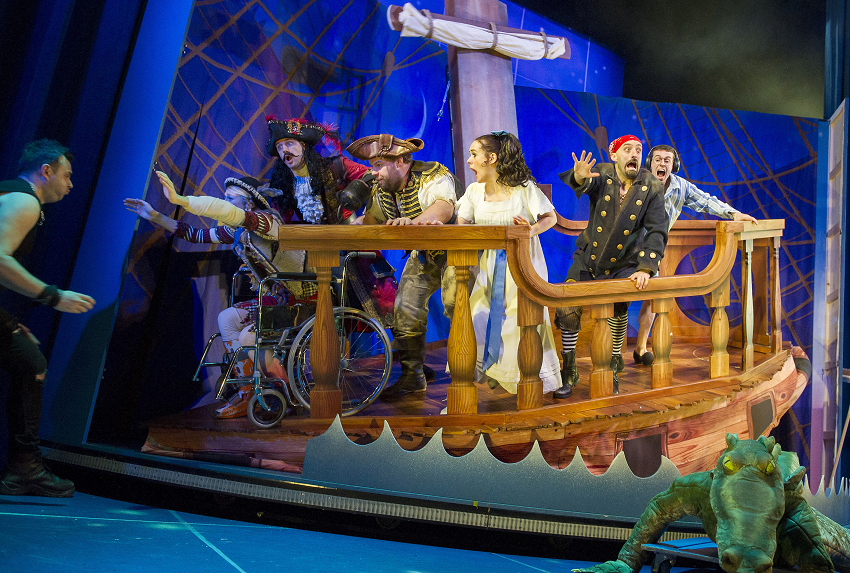 Peter Pan Goes Wrong - Alexandra Palace Theatre